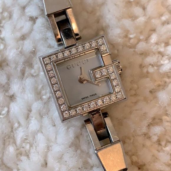 Gucci Mini G Series Diamond Blue Pearl Dial Watch